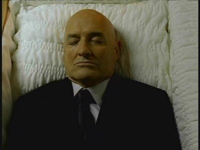 locke-in-casket